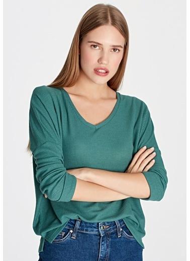 Mavi V Yaka Uzun Kollu Tişört Yeşil